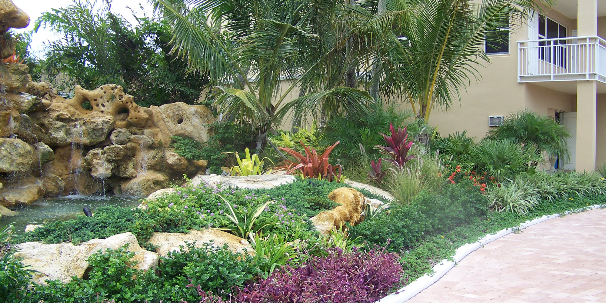 Welcome tropical landscape solutions for Tropical garden design